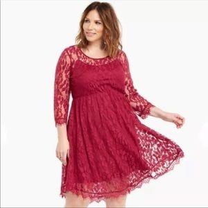 Torrid sheer leaf lace scallop hem burgundy dress
